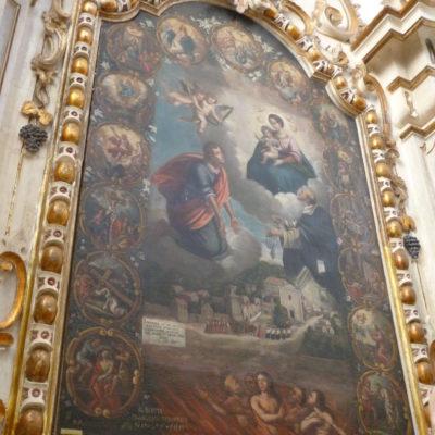 Chiesa Madre: altare della Madonna del Rosario.